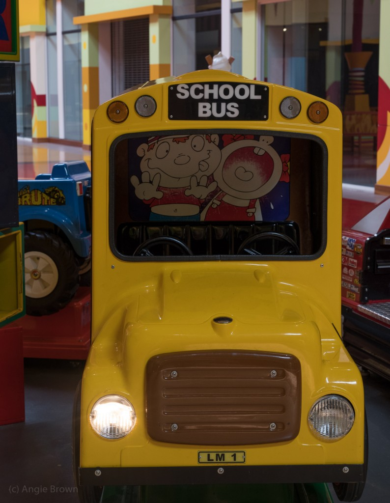 School bus kiddie ride at St. Louis Mills